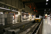 061029212215_transport--train_in_akihabara_station