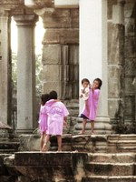 view--playing tourists Phnom Penh, Siem Reap, South East Asia, Cambodia, Asia