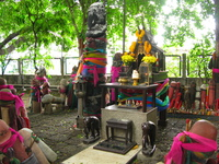 20081025140258_lingam_shrine