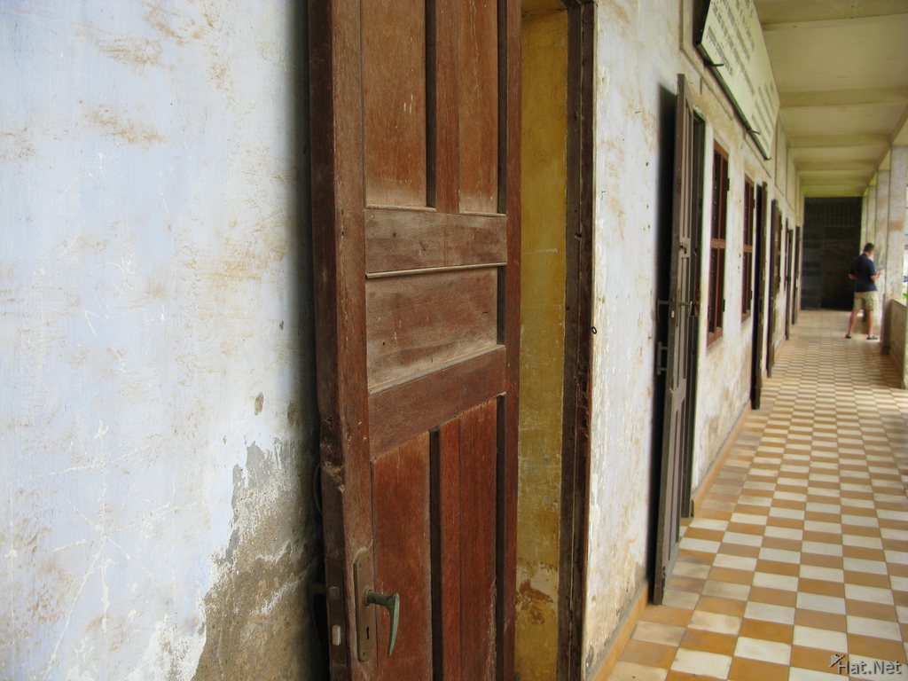 first floor of tuol sleng