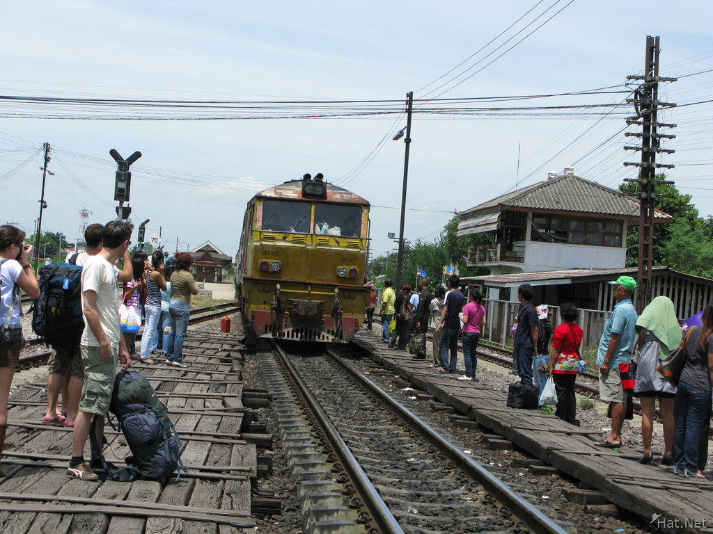 transport--train to bangkok
