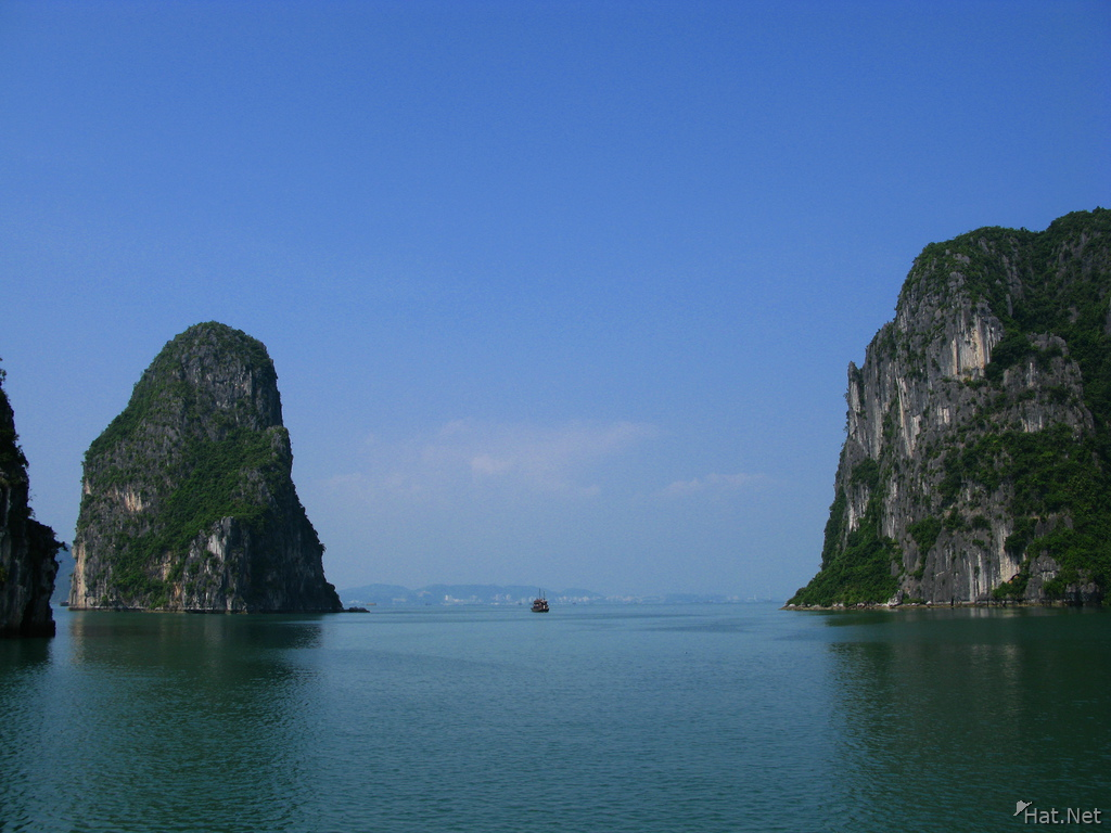 scenry of halong bay