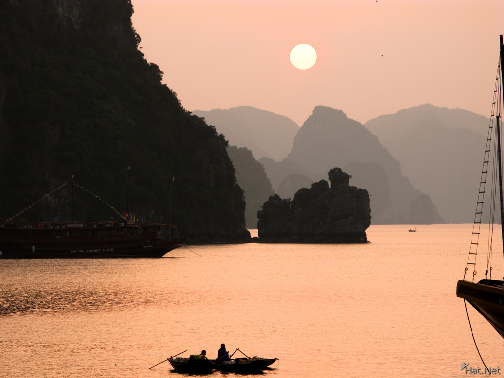 halong bay sunset cruise