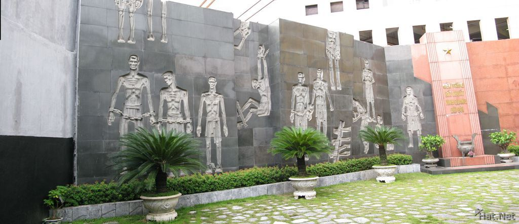 memorial for vietnamese during colonial times