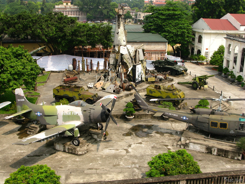 wreckage of vietnam war, military museum : Indo-China