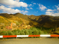 20101016143957_highway_to_bin_haddou