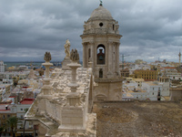 20101108142418_cadiz_cathedral_roof