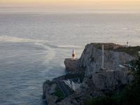 20101106180347_gibraltar_lighthouse
