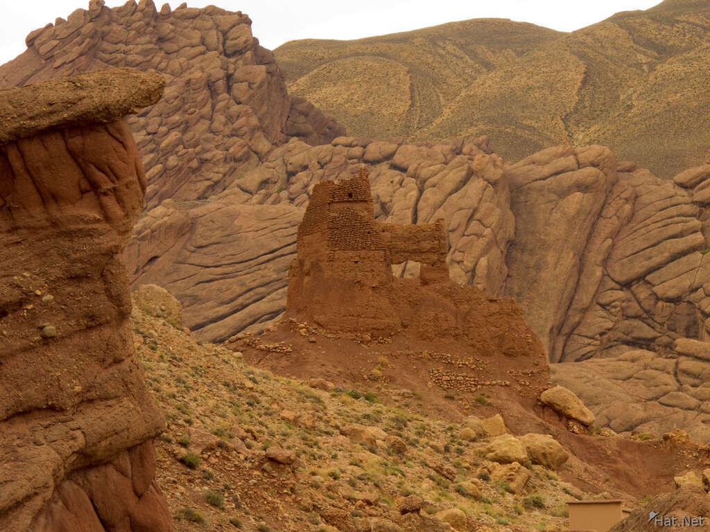 Les gorges du Dadès, rock in the casbah - Aït Arbi - Maroc