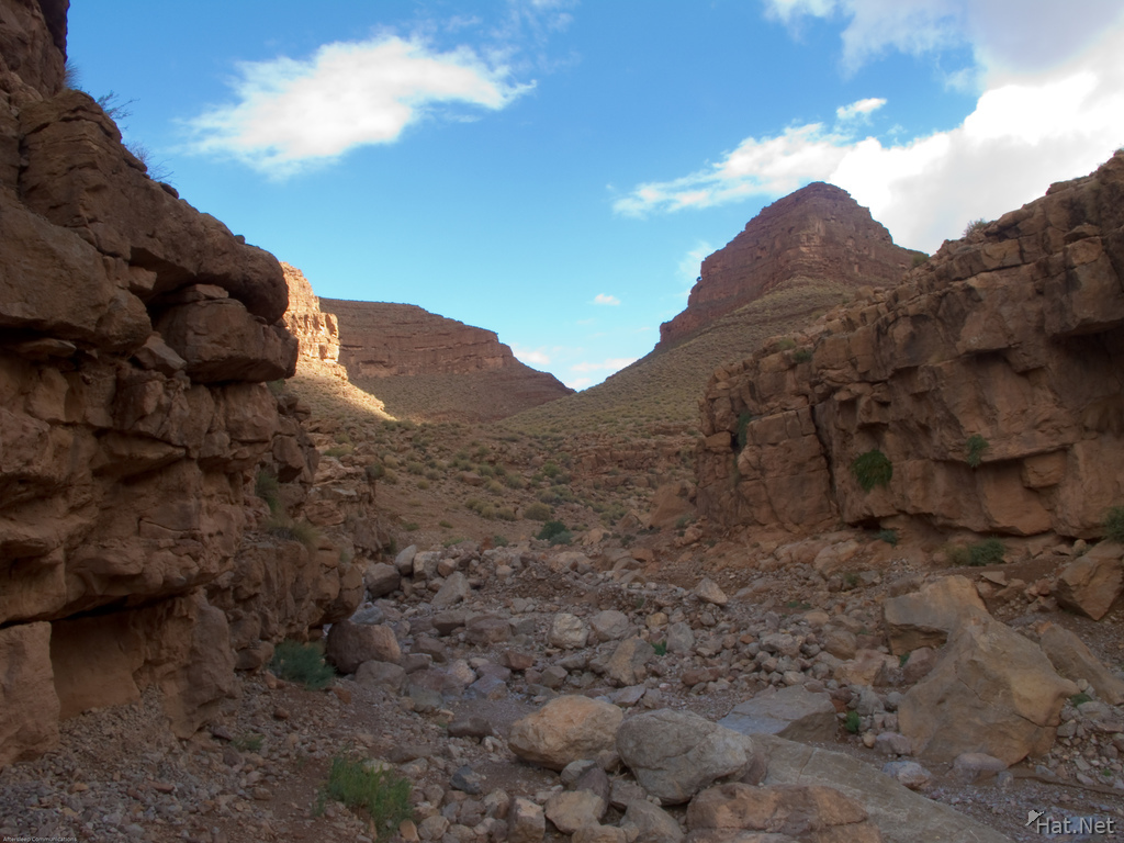 todra gorge valley