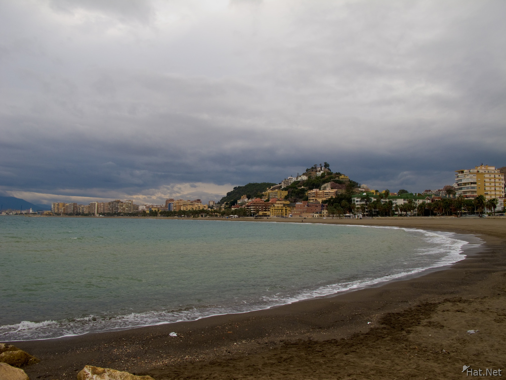 end of malaga beach